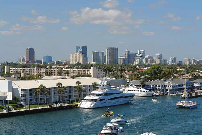 800px-Fort_Lauderdale-skyline-harbor.jpg